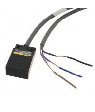 Induktív érzékelő, hasáb alakú, érzékelési távolság 5mm, NPN NC kimenet, 2m beöntött kábellel
