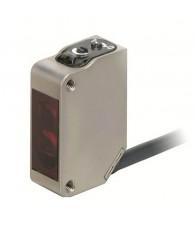 Fotoelektromos érzékelő rozsdamentes acél tokozásban, tárgyreflexiós, érzékelési távolság 1m, NPN-kimenet, 2m beöntött kábellel